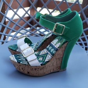 Green & White wedges
